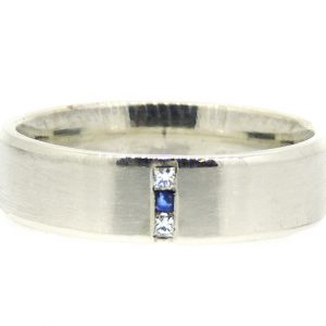 9ct ring with diamonds and sappire