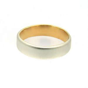 9ct white and yellow ring with satinised finish