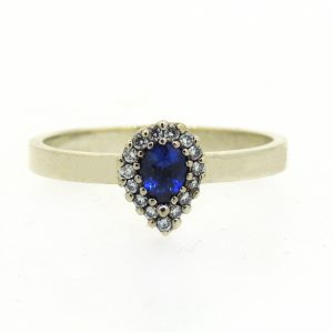 Small sapphire and diamond white gold ring_edited-1