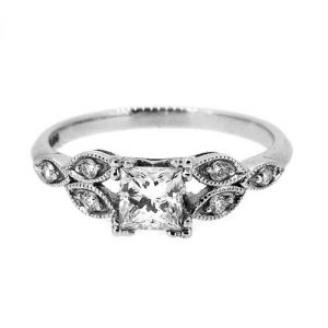 Princess cut diamond engagement ring with Millgrain setting
