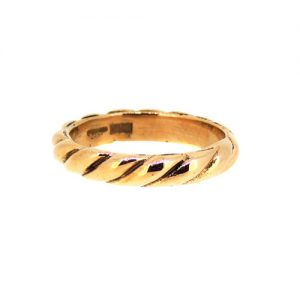 9ct Rose gold twist ring.    £550.00