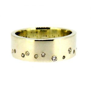 White gold scatter ring
