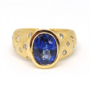 Sapphire and diamond 18ct yellow gold ringg